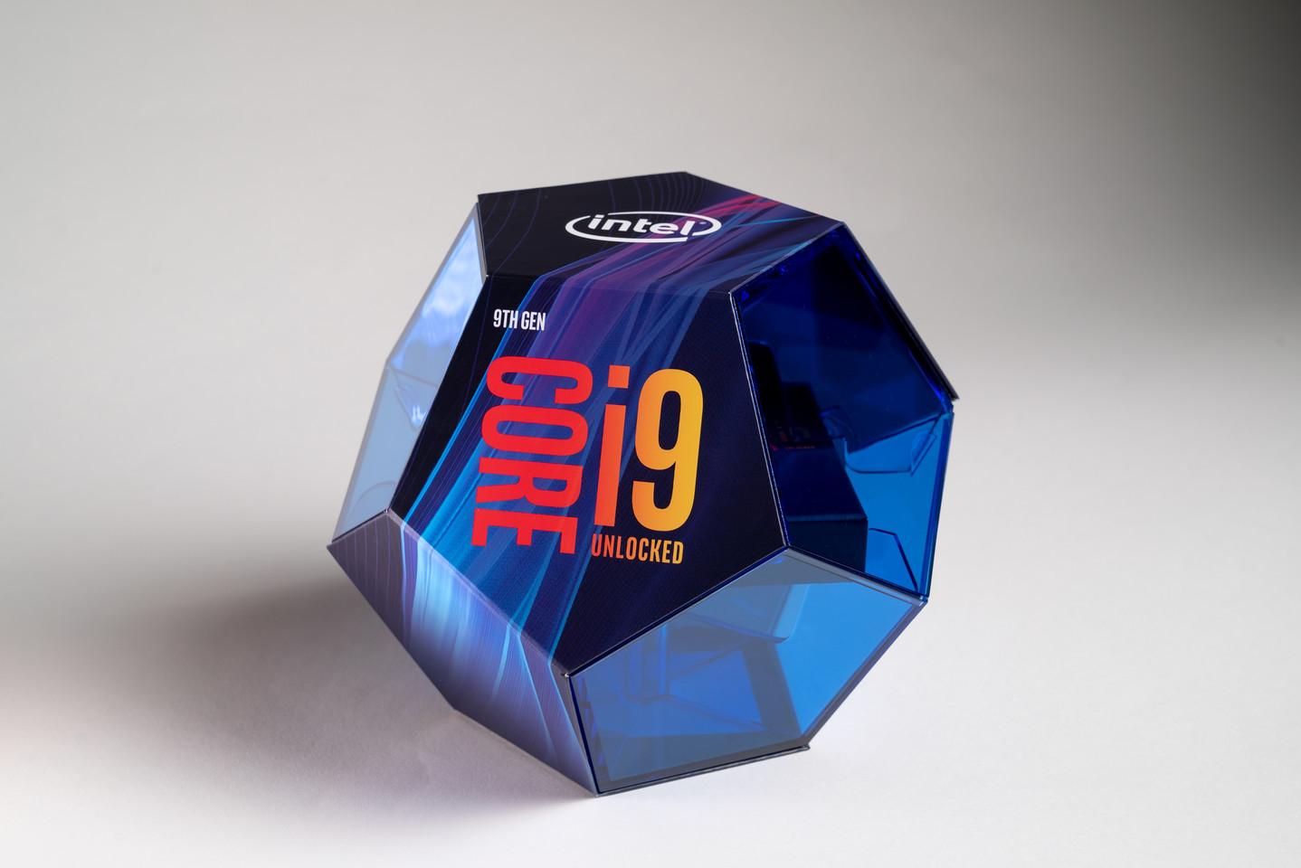 Az Intel szerint az i9 9900K akár 50%-kal jobb a legerősebb AMD-től is!